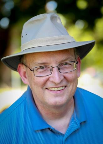 Staff Howard Kenyon
